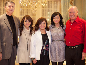 Photo of R. Jan LeCroy, LeCroy scholars and Mike Myers